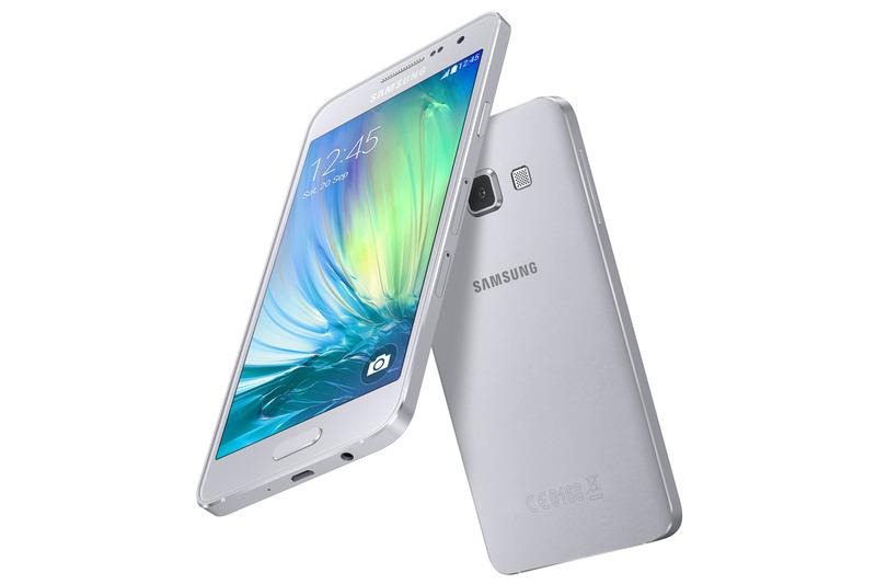 Samsung、自分撮りに特化したAndroidスマートフォン「Galaxy A」を発表