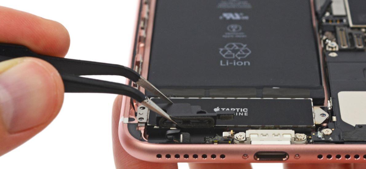 iFixit、「iPhone 7 Plus」を分解中-RAMはSamsung製、ROMは東芝製