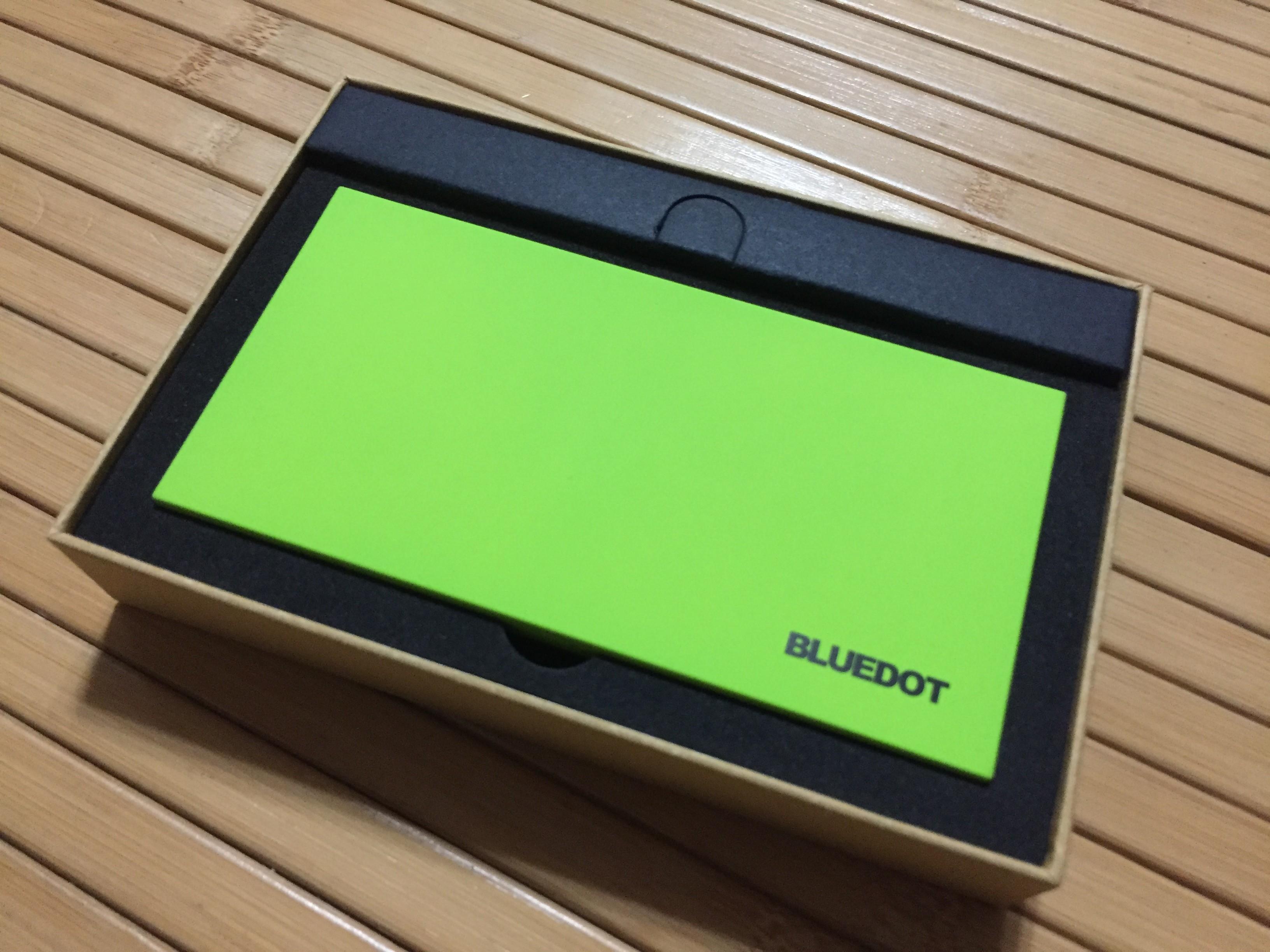 【レビュー】BLUEDOTのモバイルバッテリー「BMB-10」は持ち運びも便利で値段も安い!