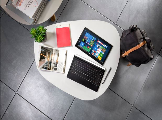 Alcatel、Windows 10搭載の2-in-1 PC「PLUS 12」を発表