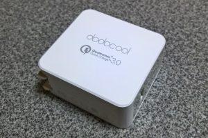 【レビュー】小型でどこでも素早く充電!旅先で役立つ「dodocool 2ポート USB急速充電器」