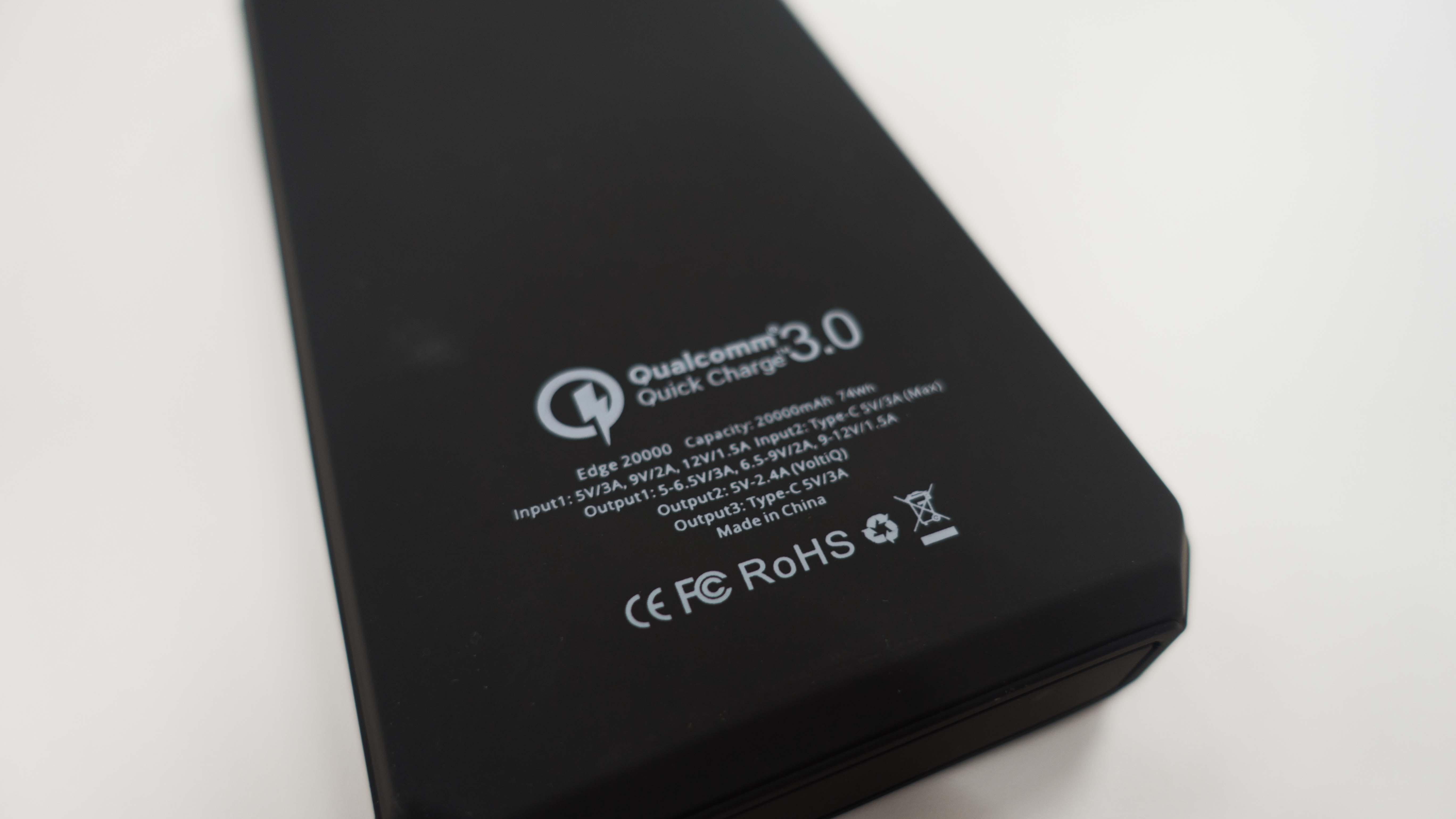 【疑問】大容量バッテリーの機内持ち込みはOK?計算方法と持ち込み条件