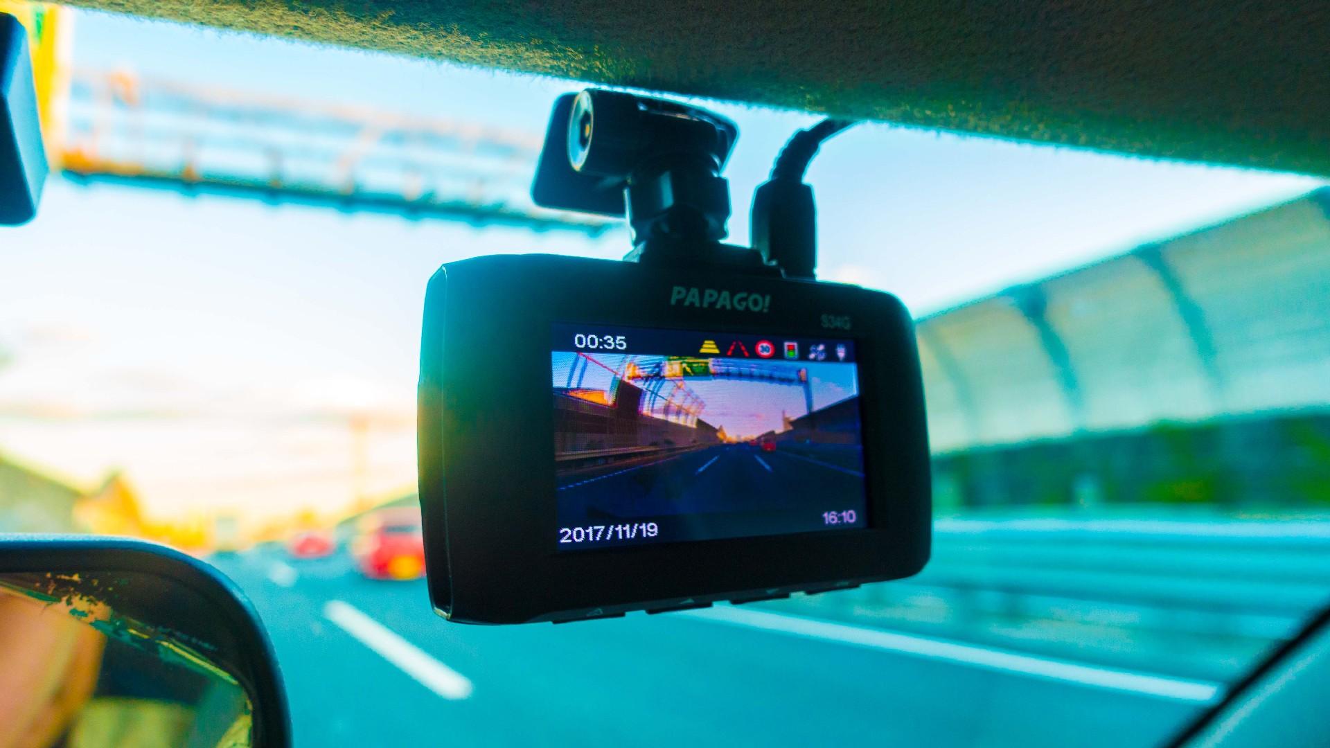 パパゴのドライブレコーダー「GoSafe 34G」をレビュー