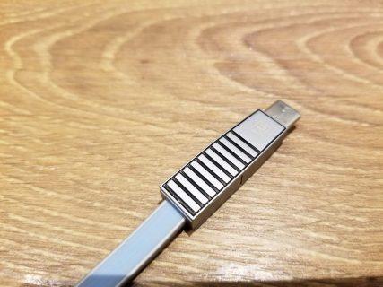 【レビュー記事】Type-CとLightning、micro USBの3種類が使える3in1ケーブルをレビュー